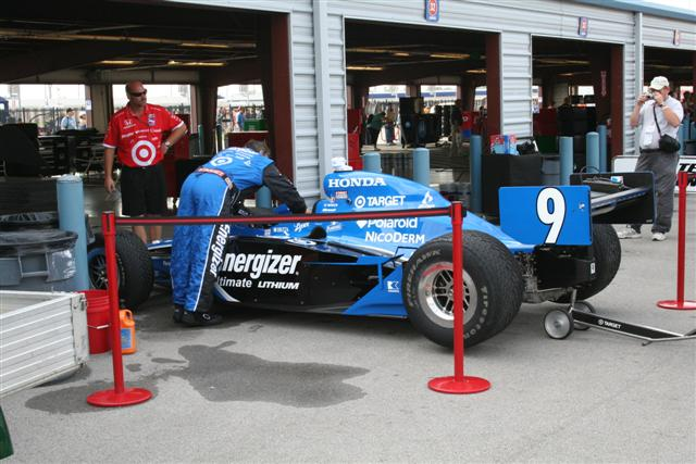 Photo of IRL Indy Cars at Nashville; Scott Dixon Made a Mistake, Got Wet and Won