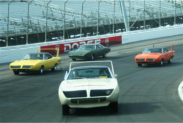 Photo of Dodge Daytona, Plymouth Superbird, Ford Talladega, Mercury Cyclone Spoiler II Reunite at the Race Track and We Have the Photos