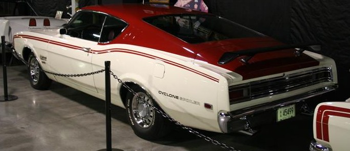 Photo of Change at Floyd Garrett Muscle Car Museum