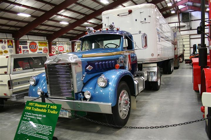 Iowa I-80 Trucking Museum – Information on collecting cars
