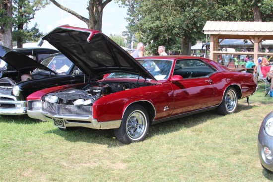This body of Buick Riveria is one I have always lusted over.
