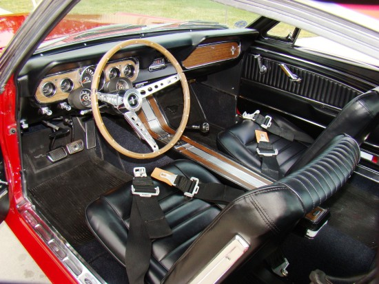 The interior is basic but was terrific in its day. Note the after marked high performance seatbelts.
