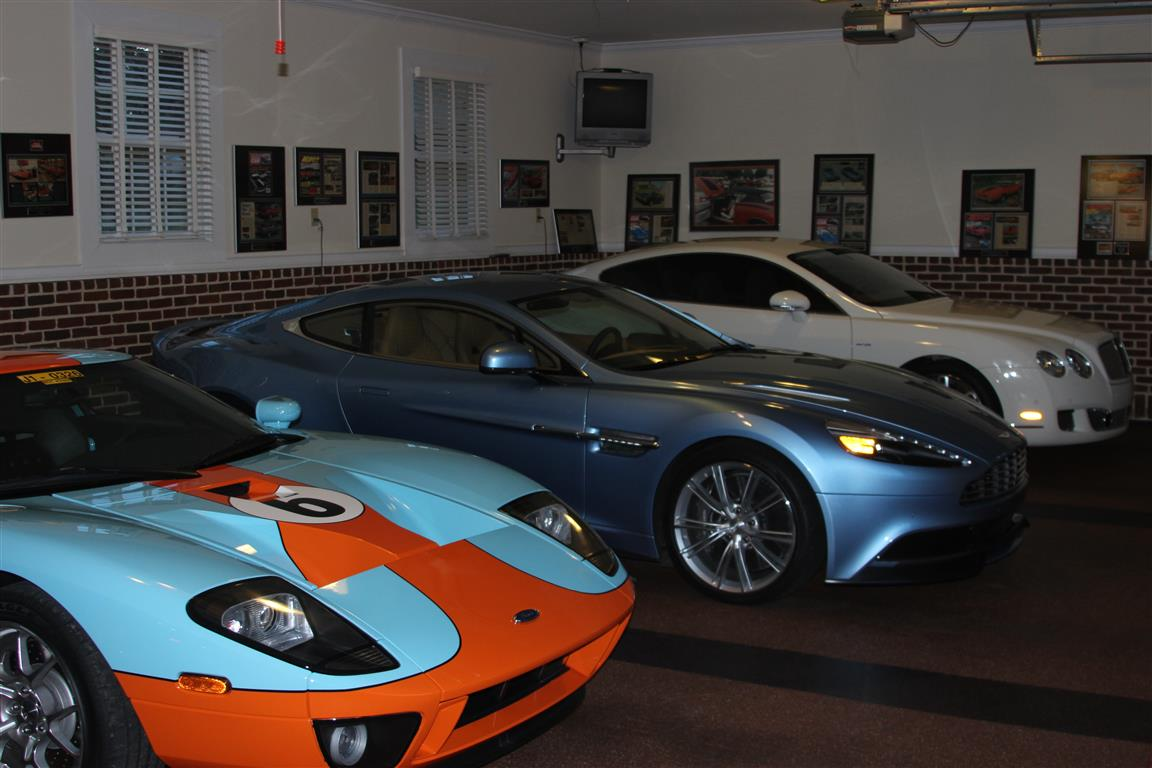 How would you like to be able to walk out to your garage and be able to pick from this trio? Oh, and there is a Viper out of the picture frame!