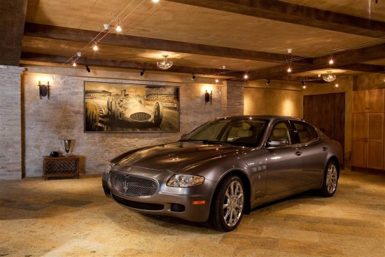 This seem more like the lobby of a high end hotel than a garage.